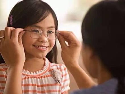 怎么选择合适的视力恢复加盟品牌?四点关键要素